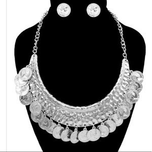 🌼Aussie Silver coin necklace set . *NWT*